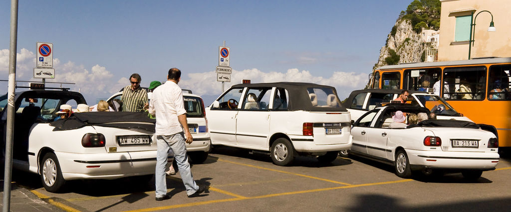 Taxis_in_Capri